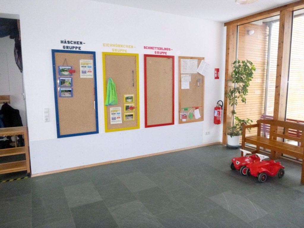 pinnwand und foyer